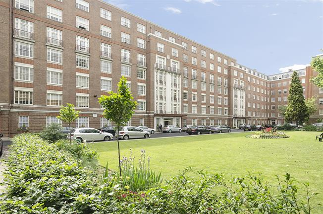 £6,456  per Calendar Month (Calculated), 4 Bedroom Flat To Rent in London, NW8