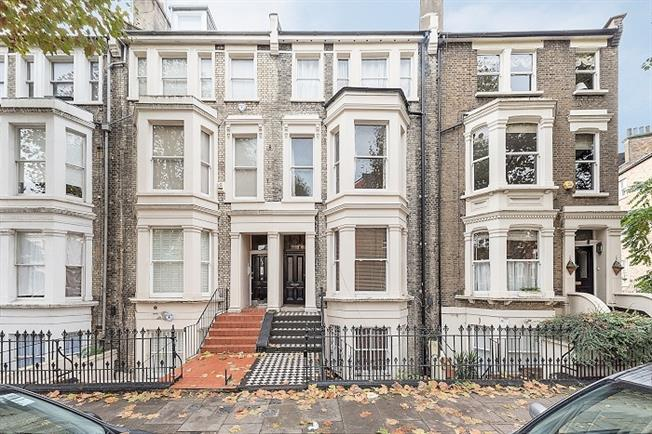 £2,383  per Calendar Month (Calculated), 2 Bedroom Flat To Rent in London, W9