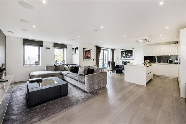 £5,611  per Calendar Month (Calculated), 3 Bedroom Apartment To Rent in London, W9