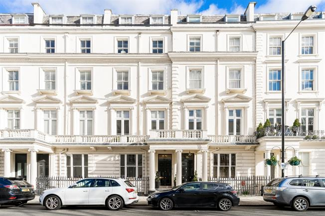 £3,683  per Calendar Month (Calculated), 3 Bedroom Apartment To Rent in London, W9