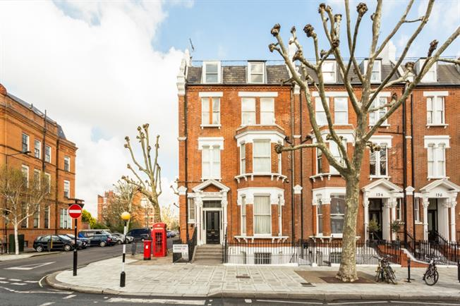 £7,345  per Calendar Month (Calculated), 3 Bedroom Flat To Rent in London, W9