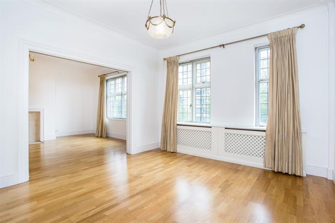 £4,329  per Calendar Month (Calculated), 3 Bedroom Flat To Rent in London, NW8