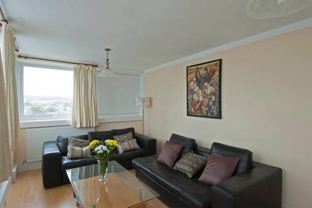 £2,600  per Calendar Month (Calculated), 2 Bedroom Flat To Rent in London, NW6