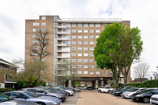 £4,008  per Calendar Month (Calculated), 3 Bedroom Apartment To Rent in London, NW8