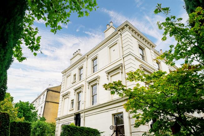 £5,200  per Calendar Month (Calculated), 3 Bedroom Flat To Rent in London, W9