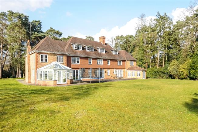 £8,500 per Calendar Month, 7 Bedroom Detached House To Rent in Ascot, SL5