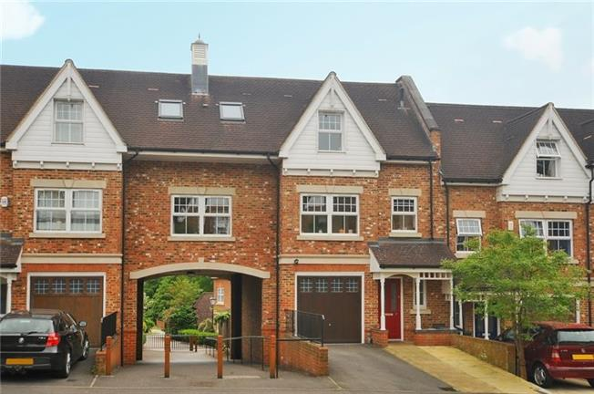 £2,500 per Calendar Month, 5 Bedroom Town House To Rent in Ascot, SL5
