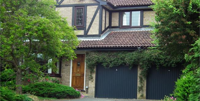 £2,000 per Calendar Month, 4 Bedroom Detached House To Rent in Virginia Water, GU25