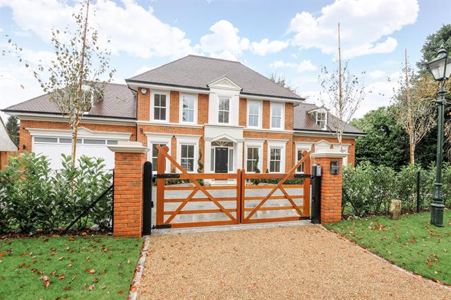 £11,500 per Calendar Month, 5 Bedroom House To Rent in Ascot, SL5