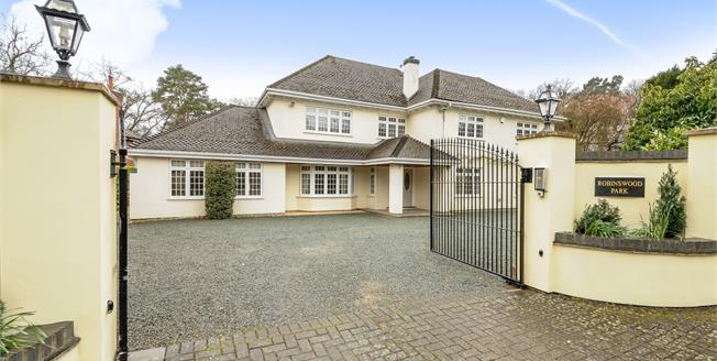 £5,500 per Calendar Month, 5 Bedroom Detached House To Rent in Ascot, SL5