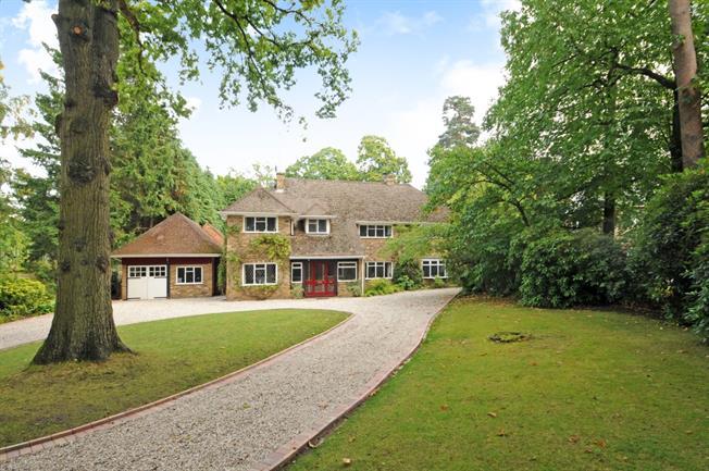 £4,250 per Calendar Month, 5 Bedroom Detached House To Rent in Ascot, SL5