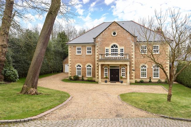 £6,450 per Calendar Month, 5 Bedroom House To Rent in Ascot, SL5