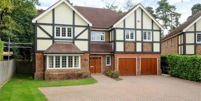£5,950 per Calendar Month, 6 Bedroom Detached House To Rent in Ascot, SL5