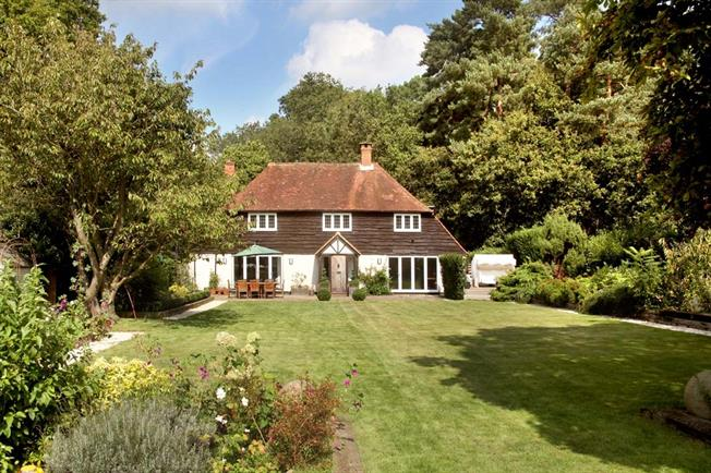 £4,950 per Calendar Month, 5 Bedroom House To Rent in Woking, Surrey, GU24