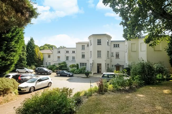 £2,950 per Calendar Month, 2 Bedroom Flat To Rent in Virginia Water, GU25