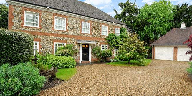 £5,000 per Calendar Month, 5 Bedroom Detached House To Rent in Ascot, SL5