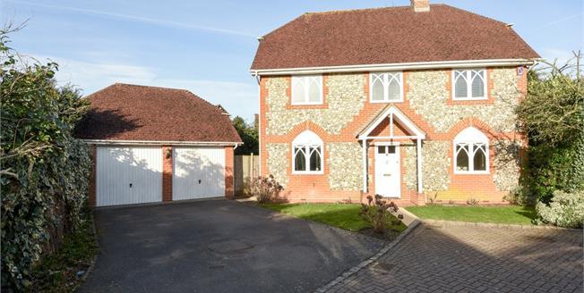 £2,300 per Calendar Month, 3 Bedroom Detached House To Rent in Ascot, SL5