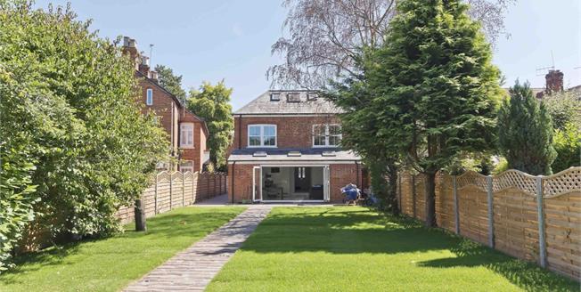 £2,995 per Calendar Month, 5 Bedroom Detached House To Rent in Ascot, SL5
