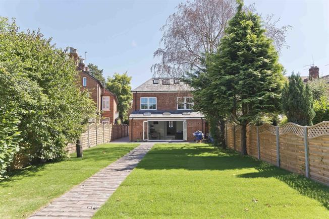 £2,995 per Calendar Month, 5 Bedroom Detached House To Rent in Ascot, SL5