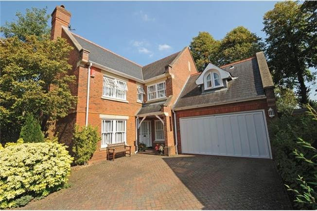 £4,500 per Calendar Month, 5 Bedroom Detached House To Rent in Virginia Water, GU25