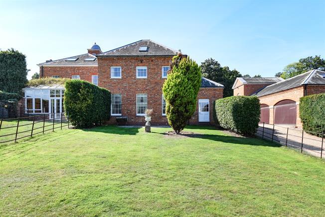 £2,750 per Calendar Month, 4 Bedroom Detached House To Rent in Egham, TW20