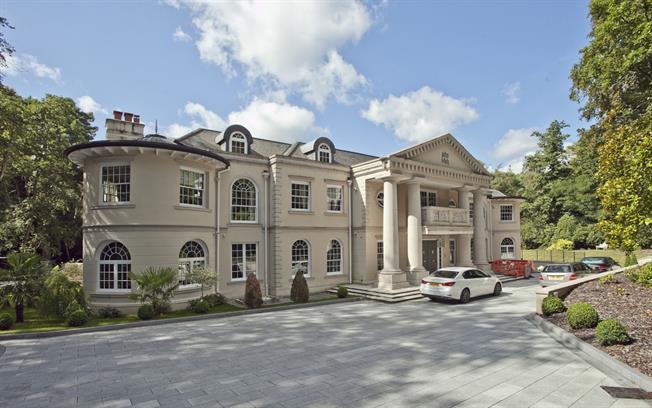 £32,000 per Calendar Month, 9 Bedroom Detached House To Rent in Virginia Water, GU25