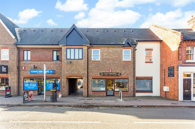 £1,900 per Calendar Month, 3 Bedroom Apartment To Rent in Egham, TW20