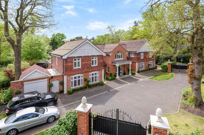 £12,500 per Calendar Month, 5 Bedroom House To Rent in Virginia Water, GU25