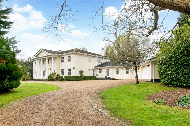 £7,000 per Calendar Month, 5 Bedroom House To Rent in Ascot, SL5