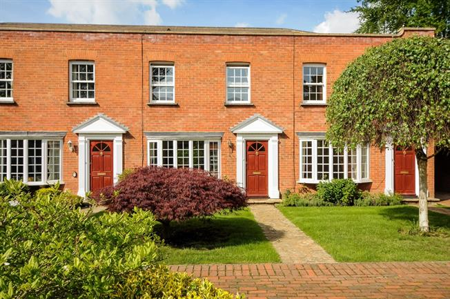 £1,595 per Calendar Month, 2 Bedroom House To Rent in Ascot, SL5