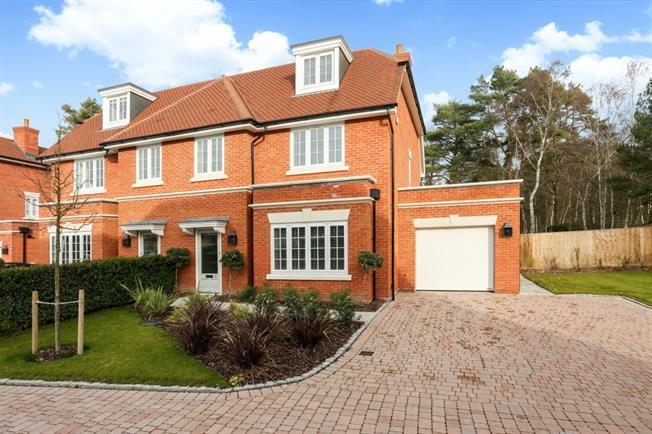 £3,950 per Calendar Month, 4 Bedroom Semi Detached House To Rent in Ascot, SL5
