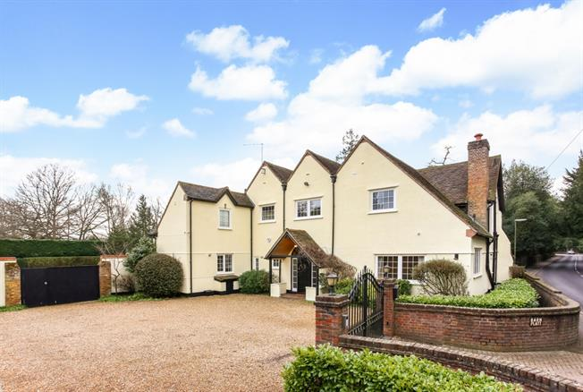 £6,000 per Calendar Month, 5 Bedroom House To Rent in Woking, GU24