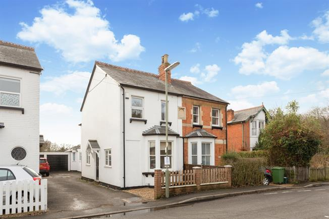 £1,850 per Calendar Month, 4 Bedroom Semi Detached House To Rent in Windlesham, GU20