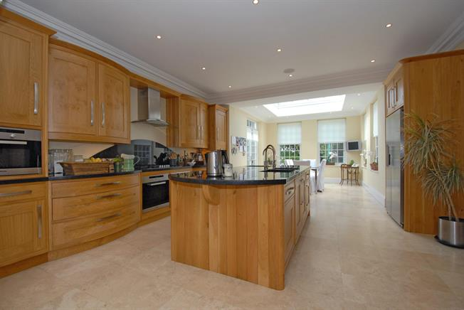 £8,500 per Calendar Month, 8 Bedroom Detached House To Rent in South Ascot, SL5