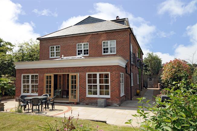 £5,750 per Calendar Month, 6 Bedroom Detached House To Rent in Englefield Green, TW20
