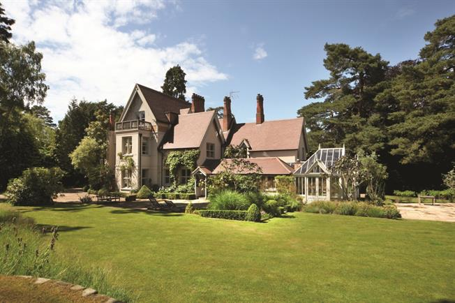 £12,500 per Calendar Month, 6 Bedroom Detached House To Rent in Windlesham, GU20
