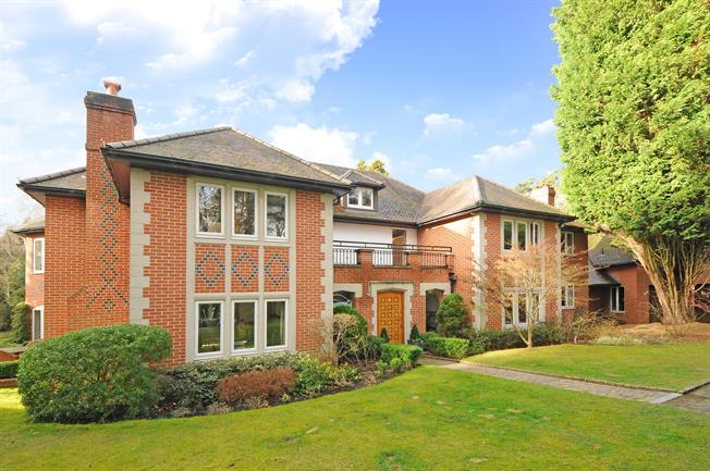 £14,018  per Calendar Month (Calculated), 6 Bedroom Detached House To Rent in Ascot, SL5