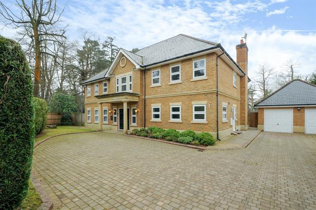 £6,750 per Calendar Month, 5 Bedroom Detached House To Rent in Ascot, SL5