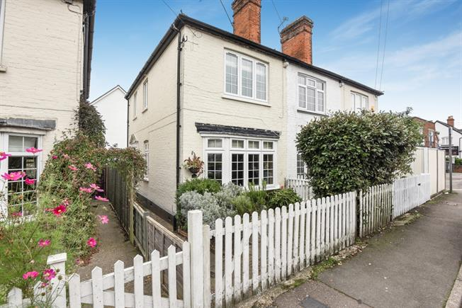 £1,475 per Calendar Month, 3 Bedroom Cottage House To Rent in Ascot, SL5