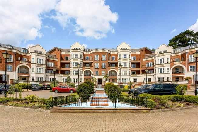 £2,750 per Calendar Month, 3 Bedroom Apartment To Rent in Ascot, SL5