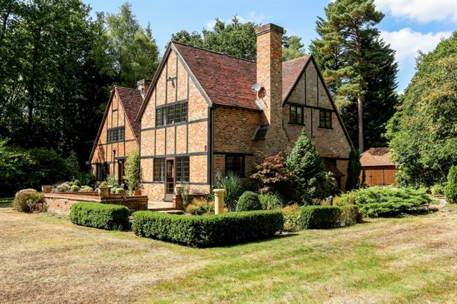 £5,500 per Calendar Month, 5 Bedroom House To Rent in Ascot, SL5