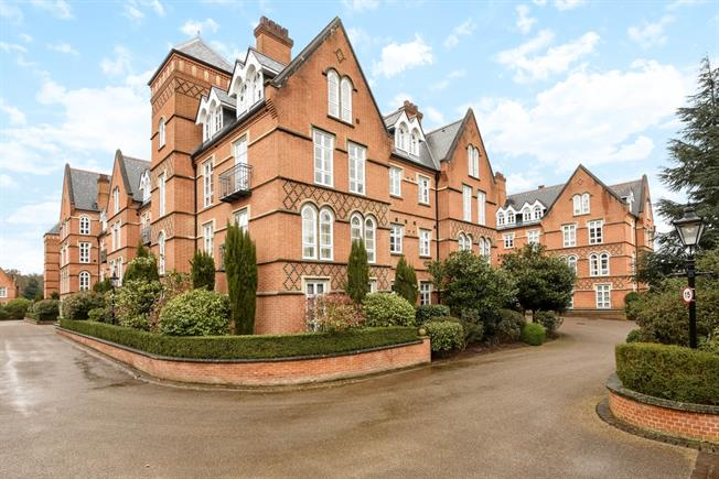 £1,675 per Calendar Month, 2 Bedroom Apartment To Rent in Virginia Water, GU25