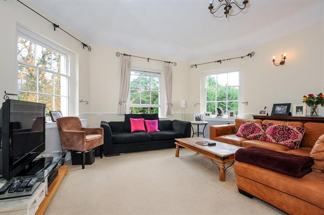 £2,250 per Calendar Month, 3 Bedroom Flat To Rent in Virginia Water, GU25