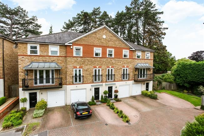 £3,995 per Calendar Month, 5 Bedroom Terraced House To Rent in Ascot, SL5