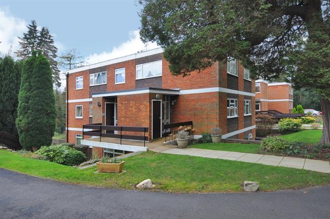 £1,595 per Calendar Month, 3 Bedroom Apartment To Rent in Ascot, SL5