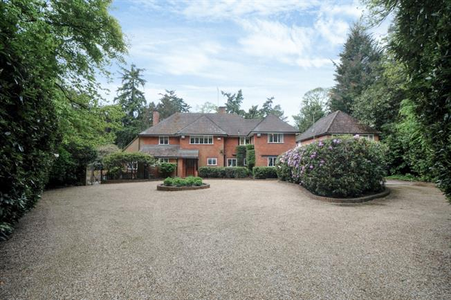 £7,300 per Calendar Month, 6 Bedroom Detached House To Rent in Virginia Water, GU25
