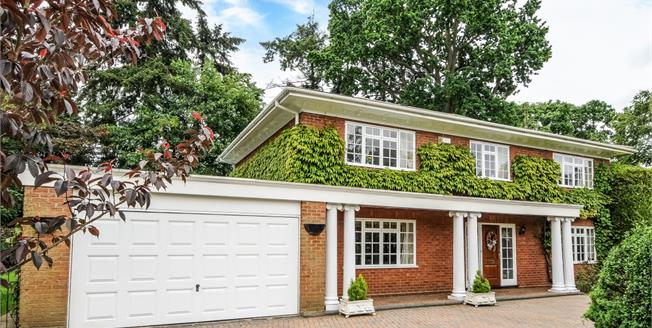 £3,900 per Calendar Month, 5 Bedroom Detached House To Rent in Ascot, SL5