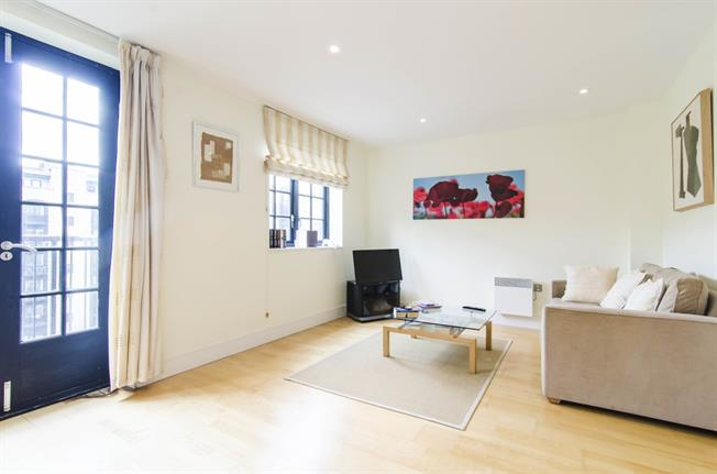 £1,950  per Calendar Month (Calculated), 1 Bedroom Apartment To Rent in London, SE1