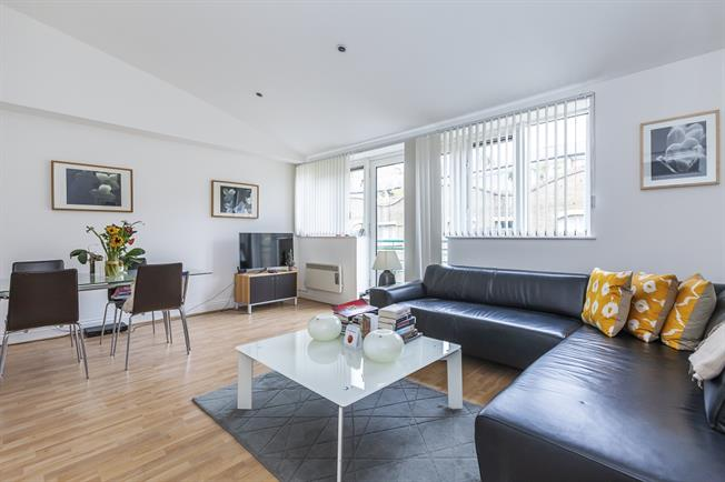 £2,166  per Calendar Month (Calculated), 2 Bedroom Apartment To Rent in London, SE1