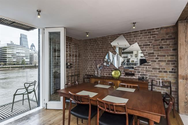 £4,550  per Calendar Month (Calculated), 2 Bedroom Apartment To Rent in London, SE1
